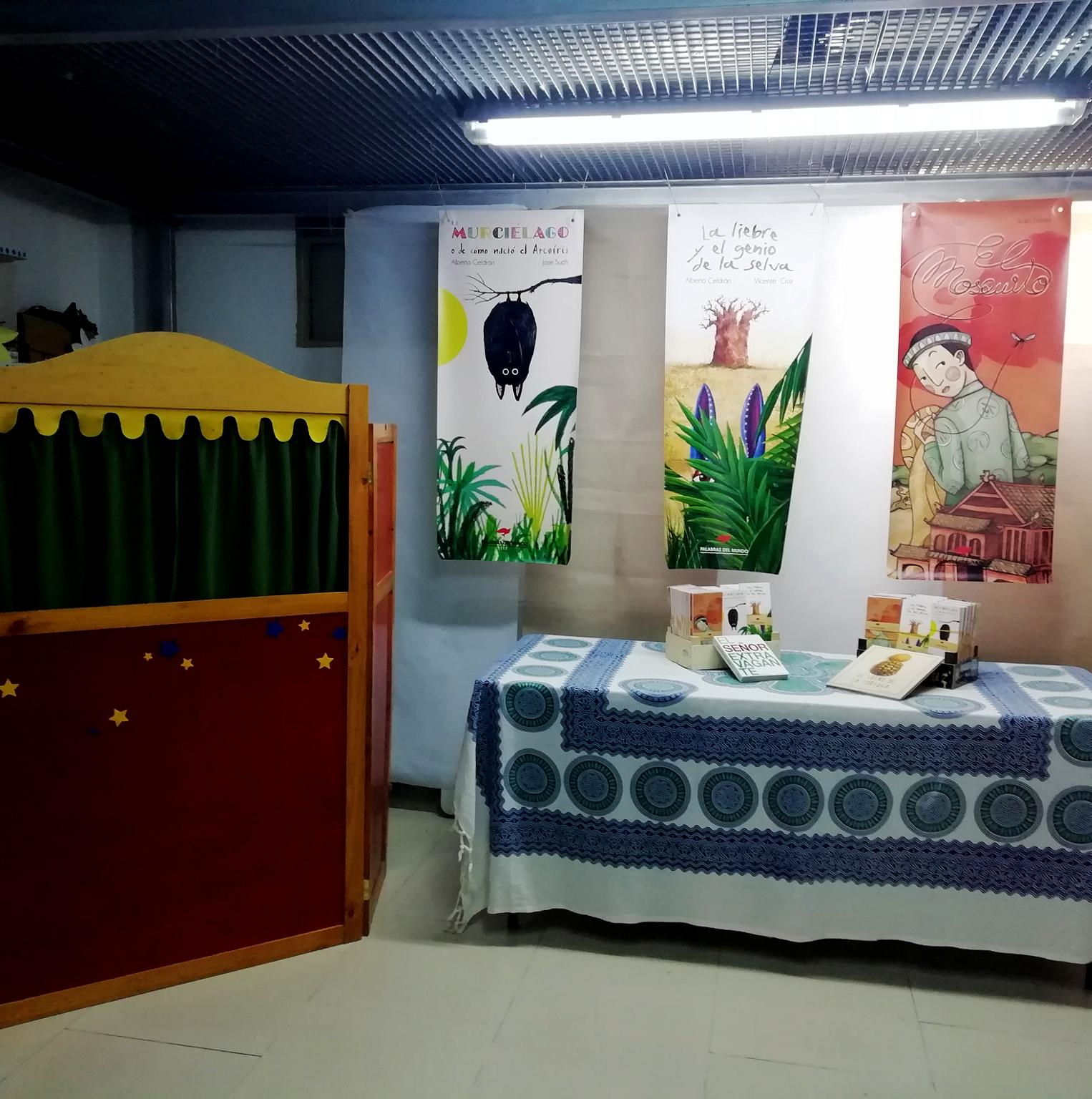 29 de noviembre de 2019. Presentación «PALABRAS DEL MUNDO» en Llibres Chus